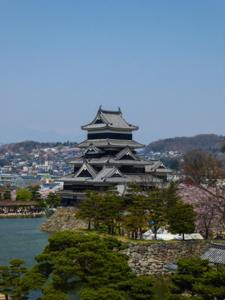 Le château de Matsumoto, jamais attaqué, construit début 1590 et finit en 1614
