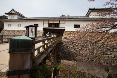 Chateaux_Japon_hikone__tenbin_yagura