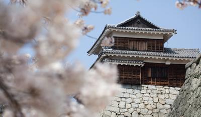 Chateaux_Japon_matsuyama__tambour__teiko_yagura