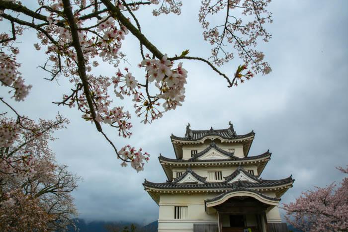 nuance de gris la balade du sakura. Black Bedroom Furniture Sets. Home Design Ideas